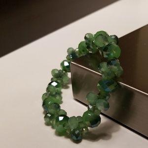 Jewelry - Green beaded elastic bracelet